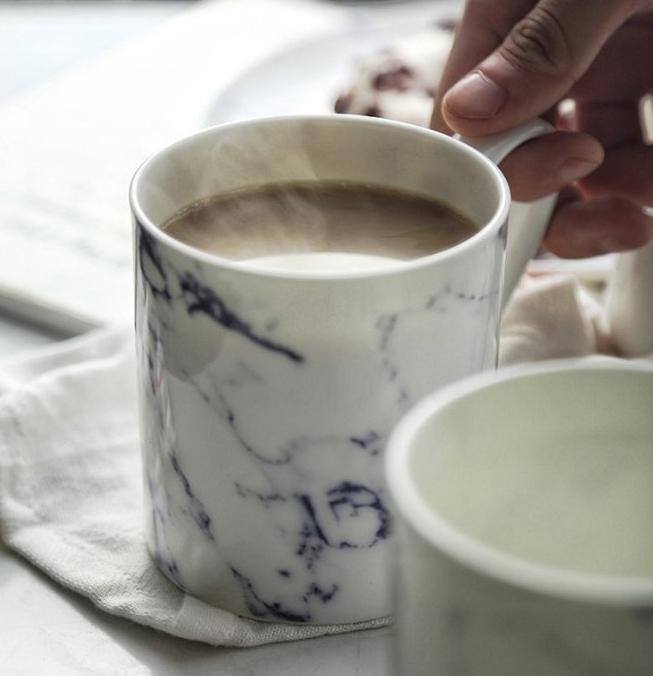 Marbling ceramic mug by Ly-land