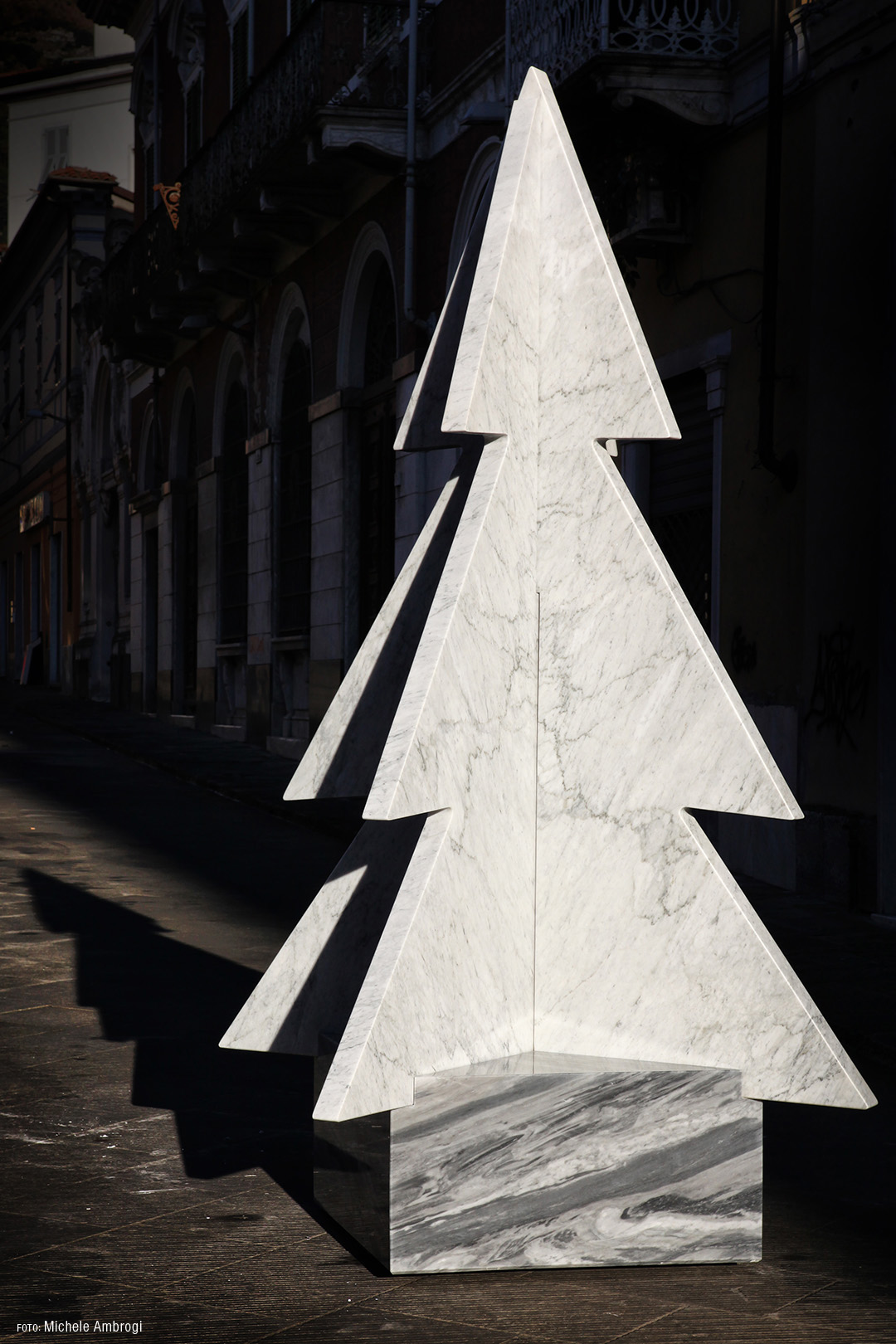 Marbre Magique, the Carrara marble Christmas tree - photo by Michele Ambrogi
