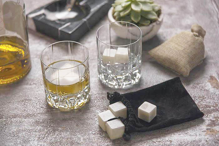 White marble whisky stones by Mat for Home (Turkey)