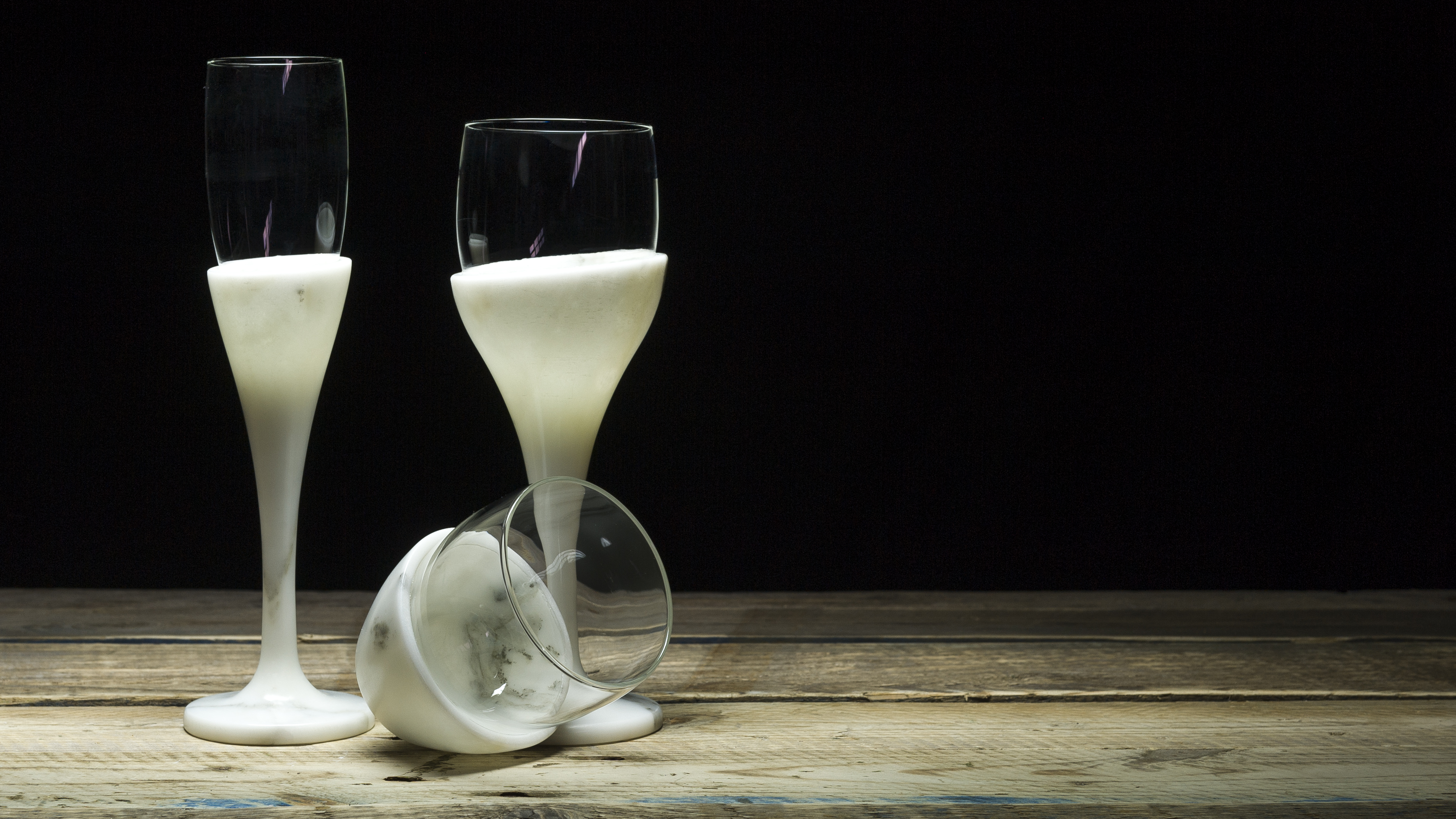 stonecycle, the uniqueness of Carrara marble through the 5 senses. marble plates and glasses