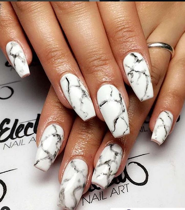 Marble nails (source: @electanailart instagram)