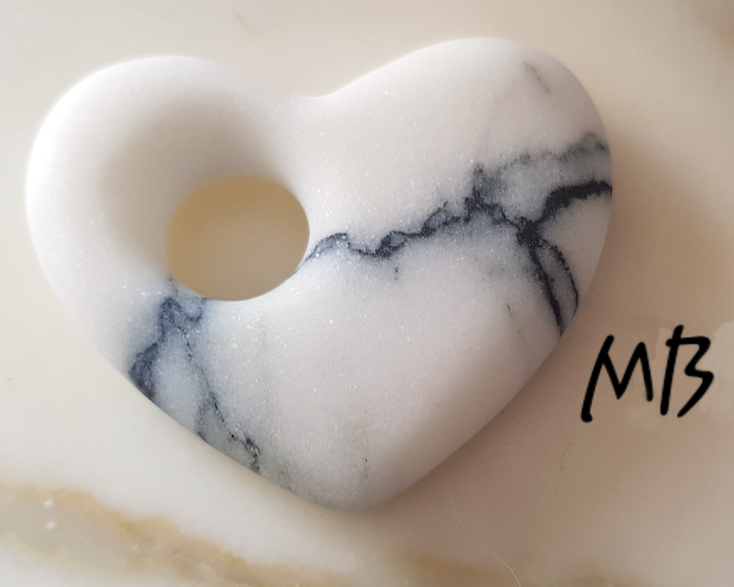 Marble heart by MB Handmade in Paonazzo marble (Carrara)