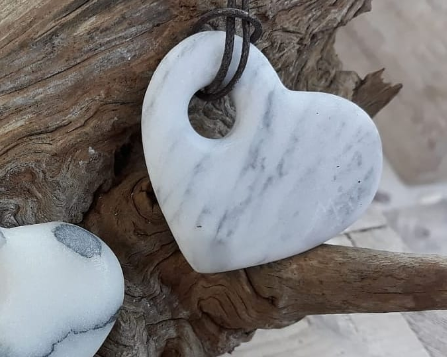 Marble heart by MB Handmade in Statuario marble