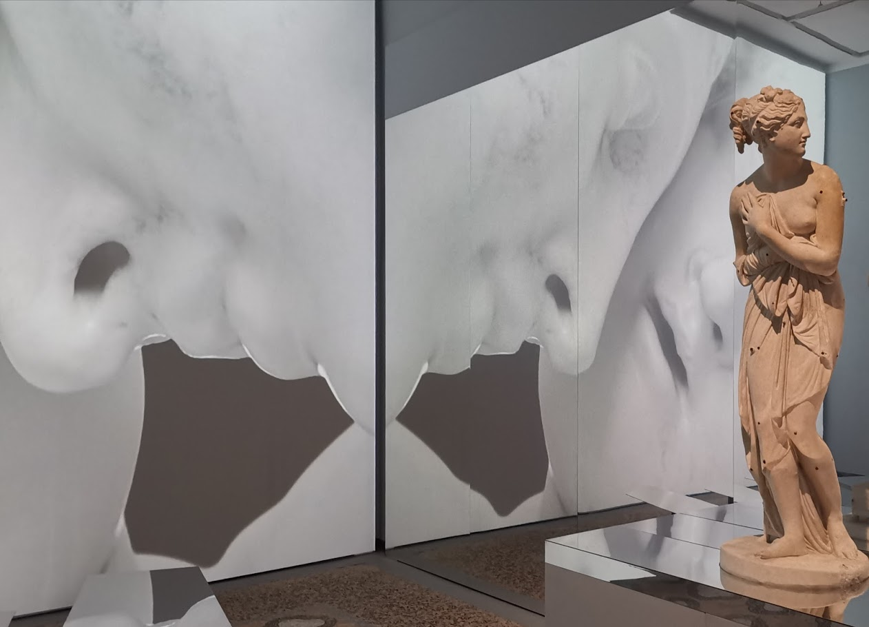 An immersive multimedia experience - Canova the journey to Carrara