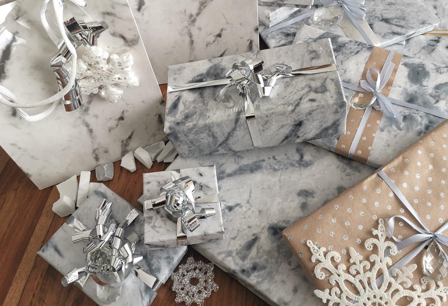 Carrara marble wrappung paper, show flakes and silver ribbon