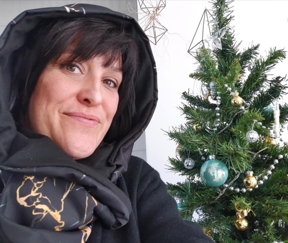 Portoro marble HUG waterproof hood and neck warmer: the winter version of the marble turban!